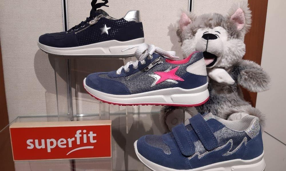 Greife_Kinderschuhe_superfit_sneaker